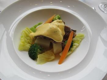 牛肉のパナッシェ ポトフー仕立て 香草風味のベアルネーズソース.JPG