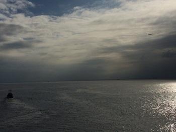 船と飛行機.jpg
