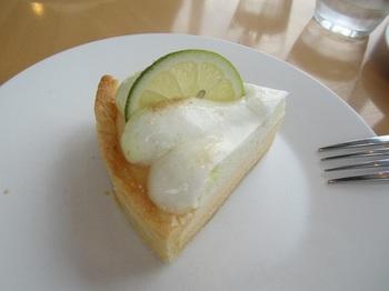 青レモンのケーキ.JPG