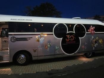 ミッキーバス.JPG