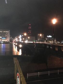 夜の萬代橋.jpg
